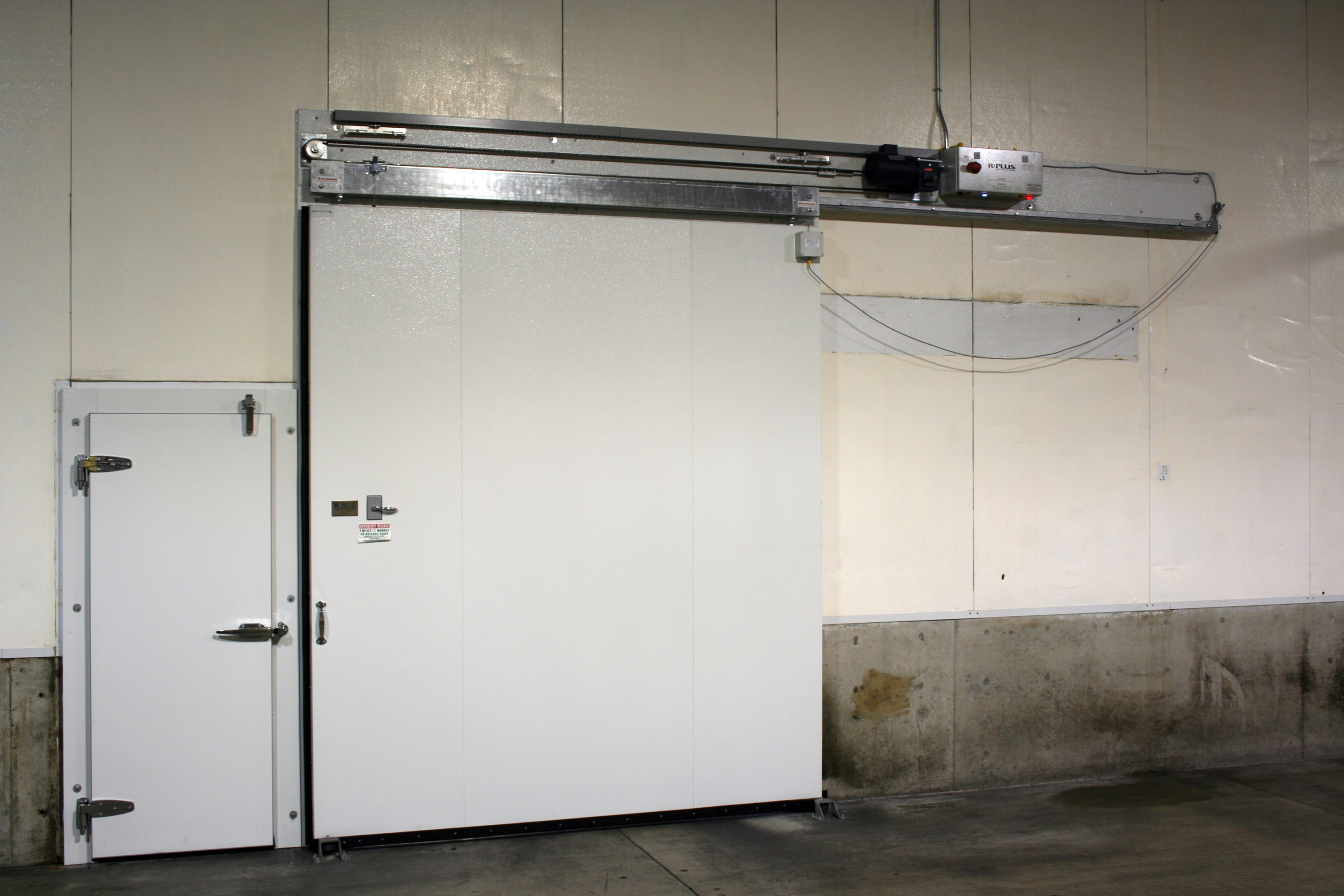 Closed Horizontal Sliding Door Powered By ICC 5 Controller And Swing Door  Cold Storage Fruit Facility In Yakima, Washington